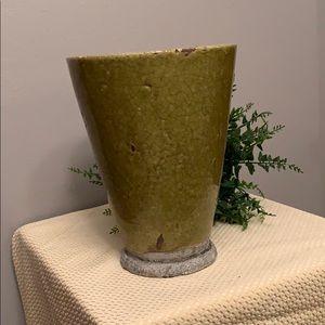 Green pot/vase